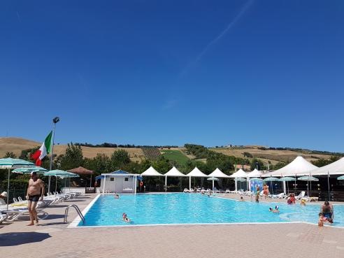 piscina colline